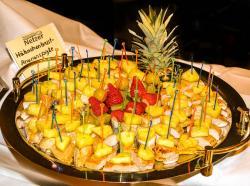 Hähnchen-Frucht-Spieße