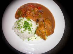 Gefüllte Hähnchenbrust mit Ratatouille und Reis